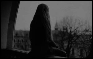 Warum wir Einsamkeit manchmal nicht ertragen können